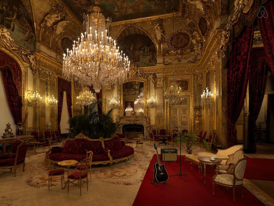 Лувр зал Наполеона