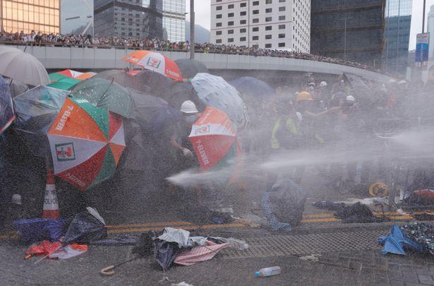 бунт Гонконг