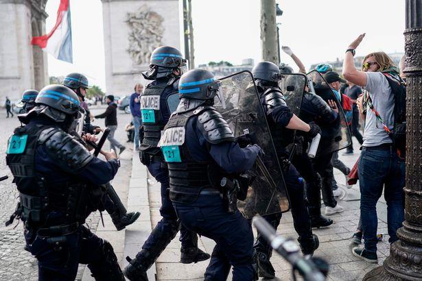 драка с полицией