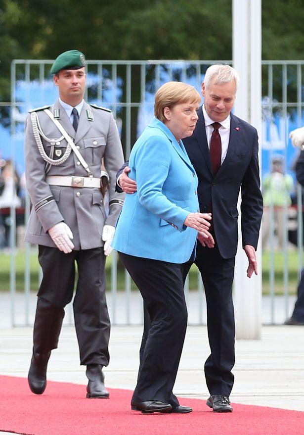 Меркель плохо