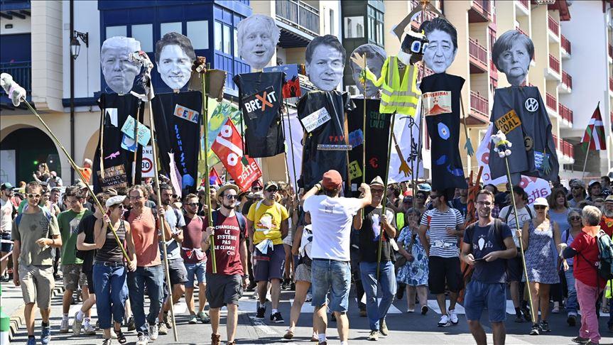 протест против G7