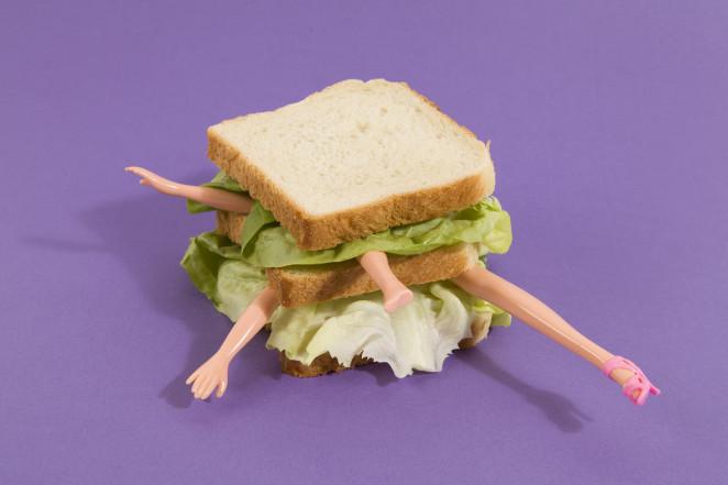 бутерброд конечности кукол