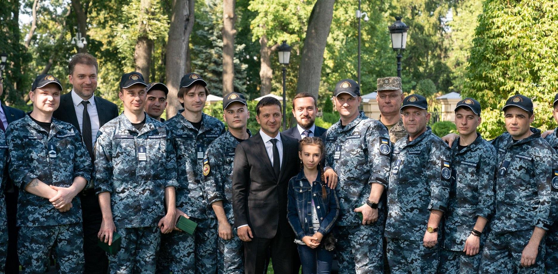 морякам выдали квартиры Зеленский