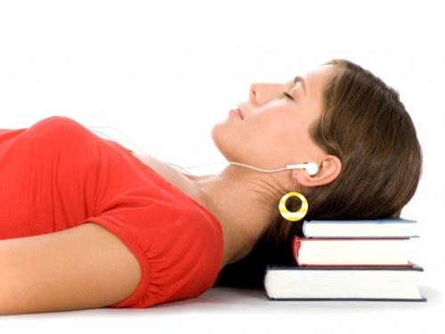 учиться во сне