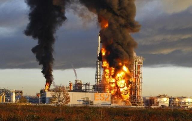 взрыв на заводе Италия