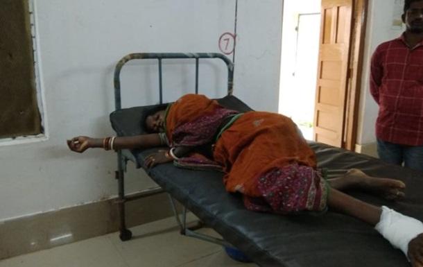 женщина нападение кродила