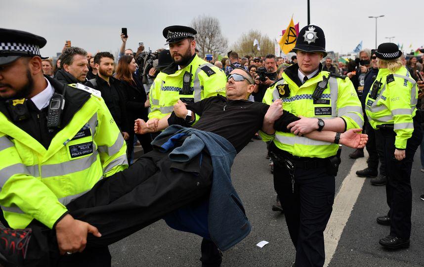 Лондон, задержание протестующих