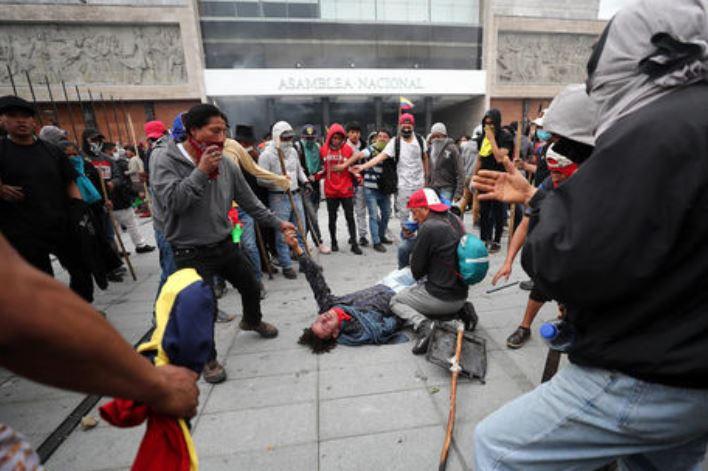 Протестующие в Эквадоре