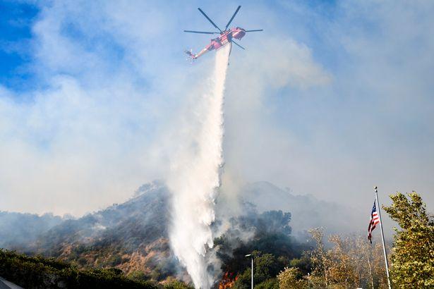 тущение пожара Калифорния