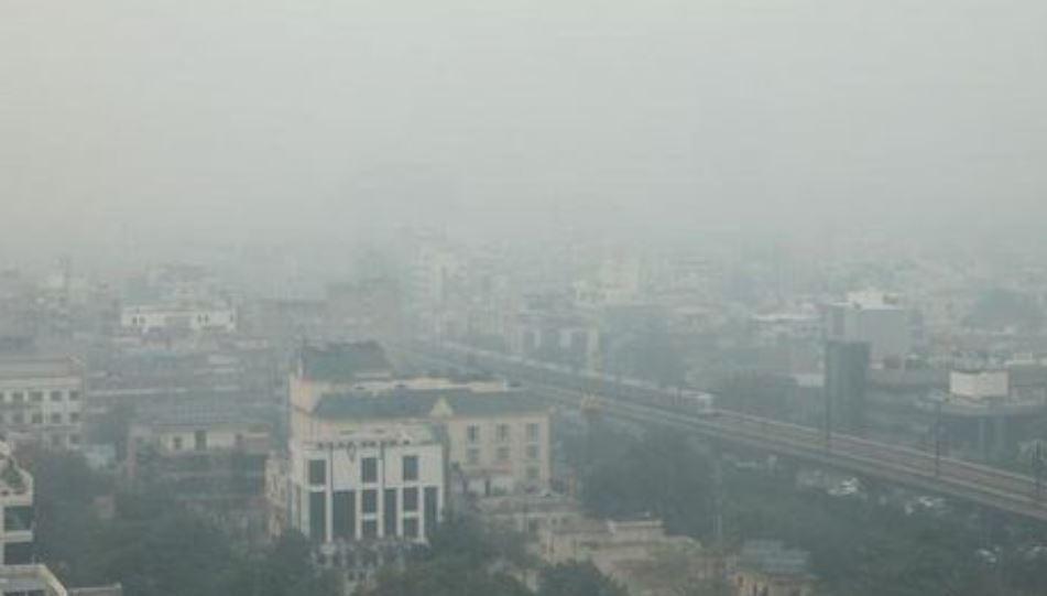 В столице Индии загрязнение воздуха превышает норму в 10 раз