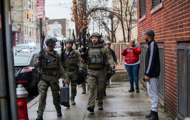 Стрельба в США: погибли пятеро гражданских и полицейский