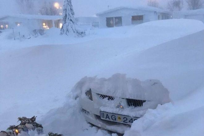 В Исландии- снегопад и ураганные ветра до 250 км/ч