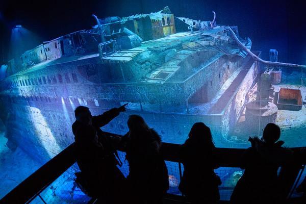 туристы и Титаник