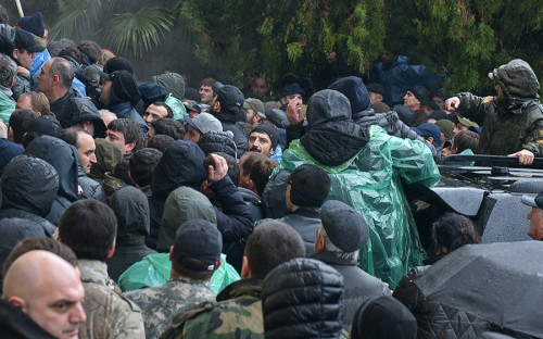 волнения в Абхазии.