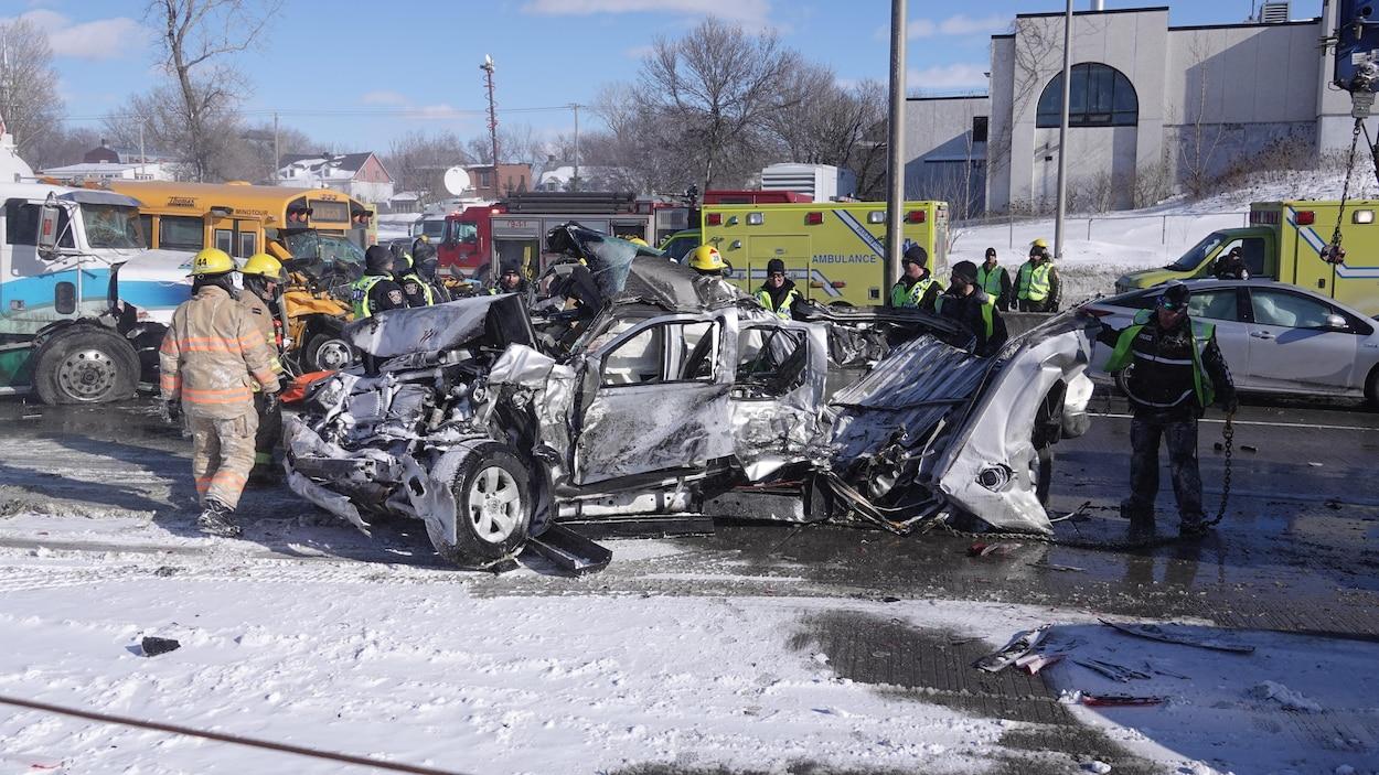 В Канаде масштабное ДТП: столкнулось 200 авто, есть жертвы