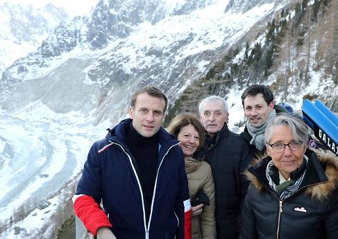 Макрон в Альпах.