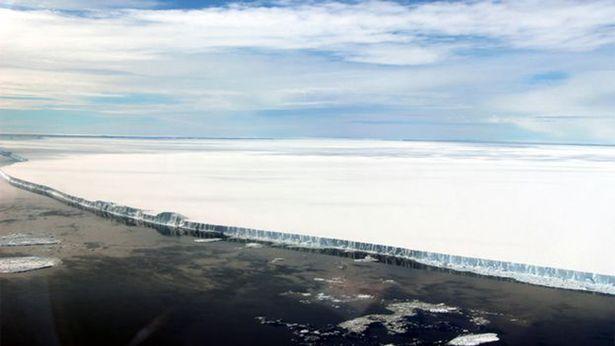 самый большой в мире айсберг