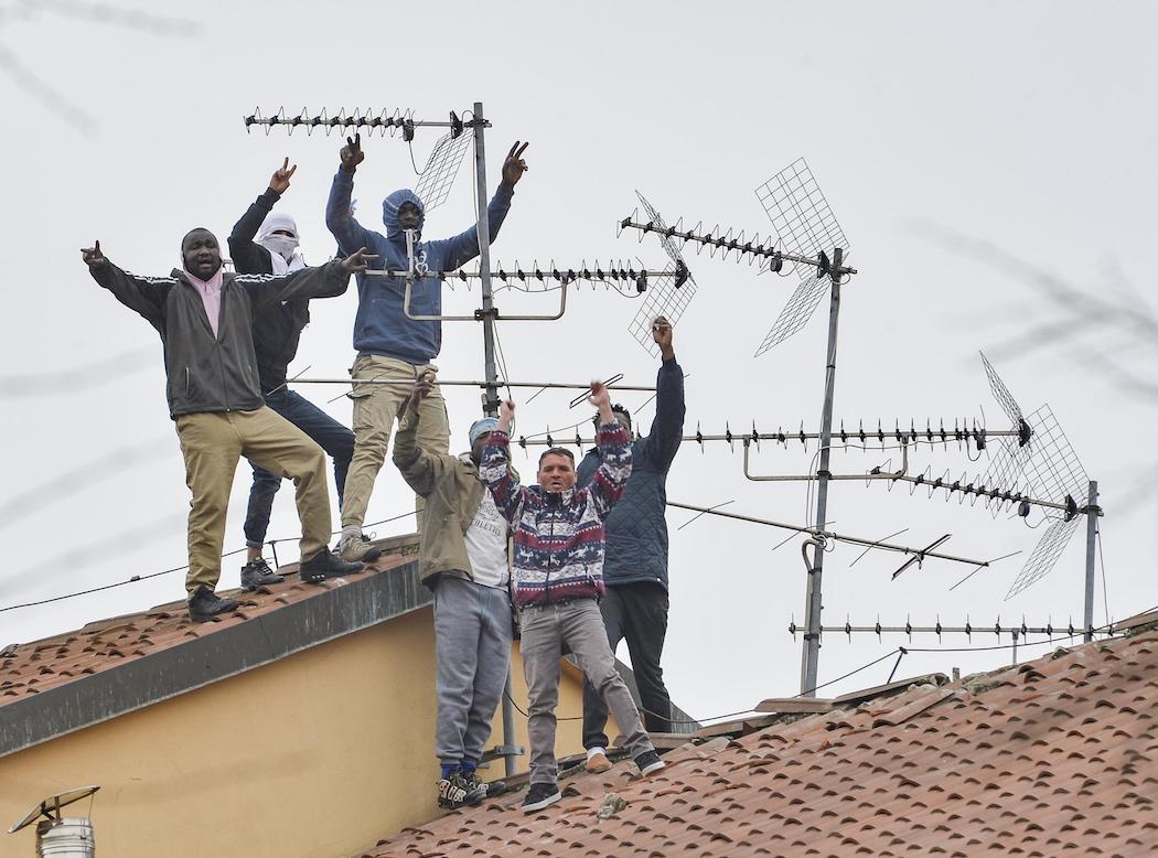 тюремный бунт Италия