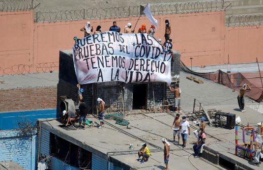 Перу и Ливан охватили «коронавирусные» бунты, гибнут люди