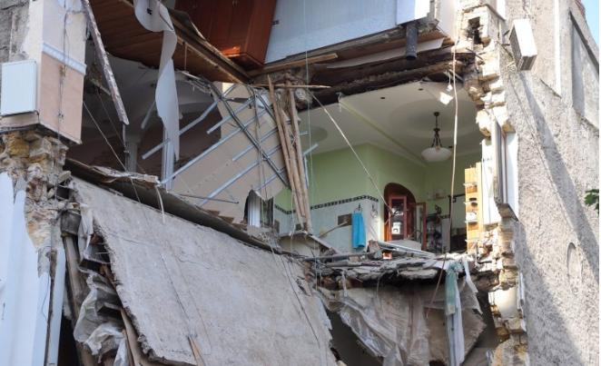 дом обрушение
