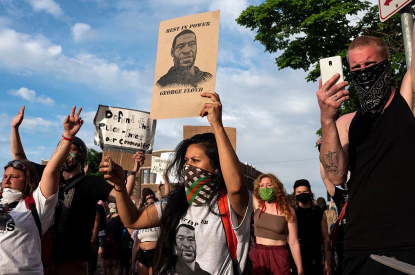 Смерть Джорджа Флойда: волна протестов спадает