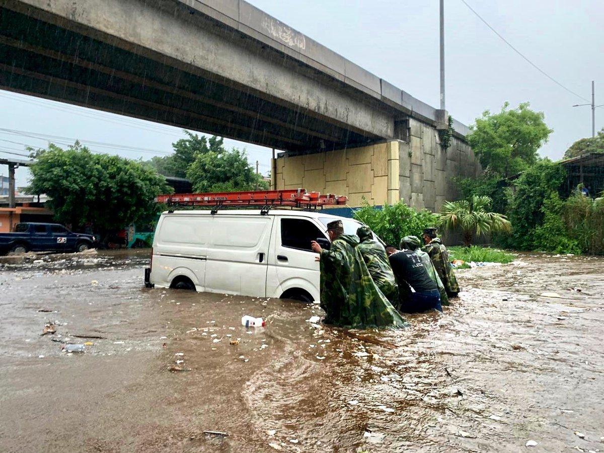 На Центральную Америку и Индию обрушился шторм: есть жертвы