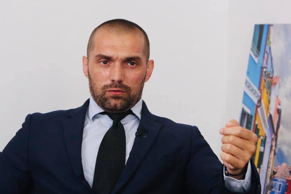 Олег Корецкий