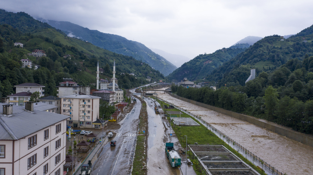 В Японии, Китае, Индии и Турции – наводнения, в ЮАР – ураган