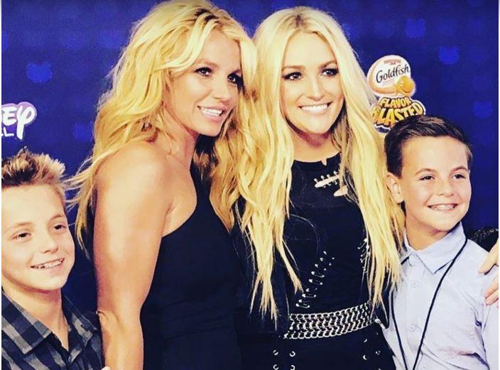 Бритни Спирс с сестрой и детьми