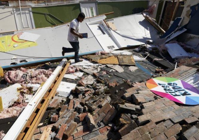 Ураган «Лаура» в США убил 6 человек и разрушил целые кварталы