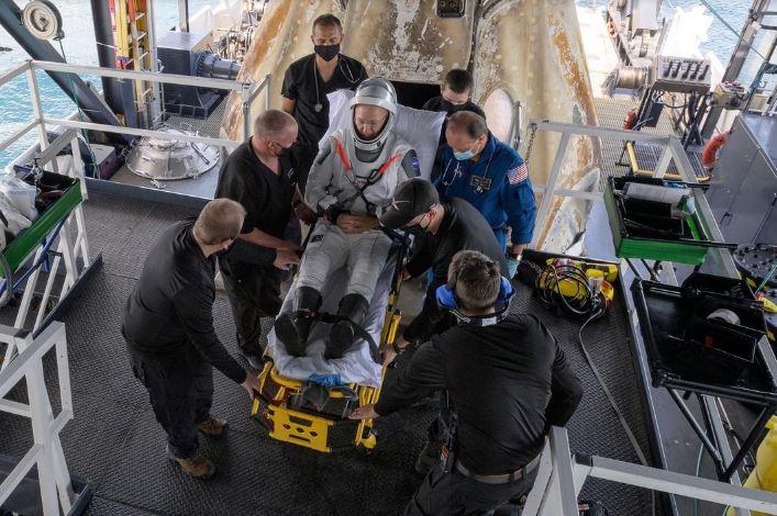 вернулись астронавты