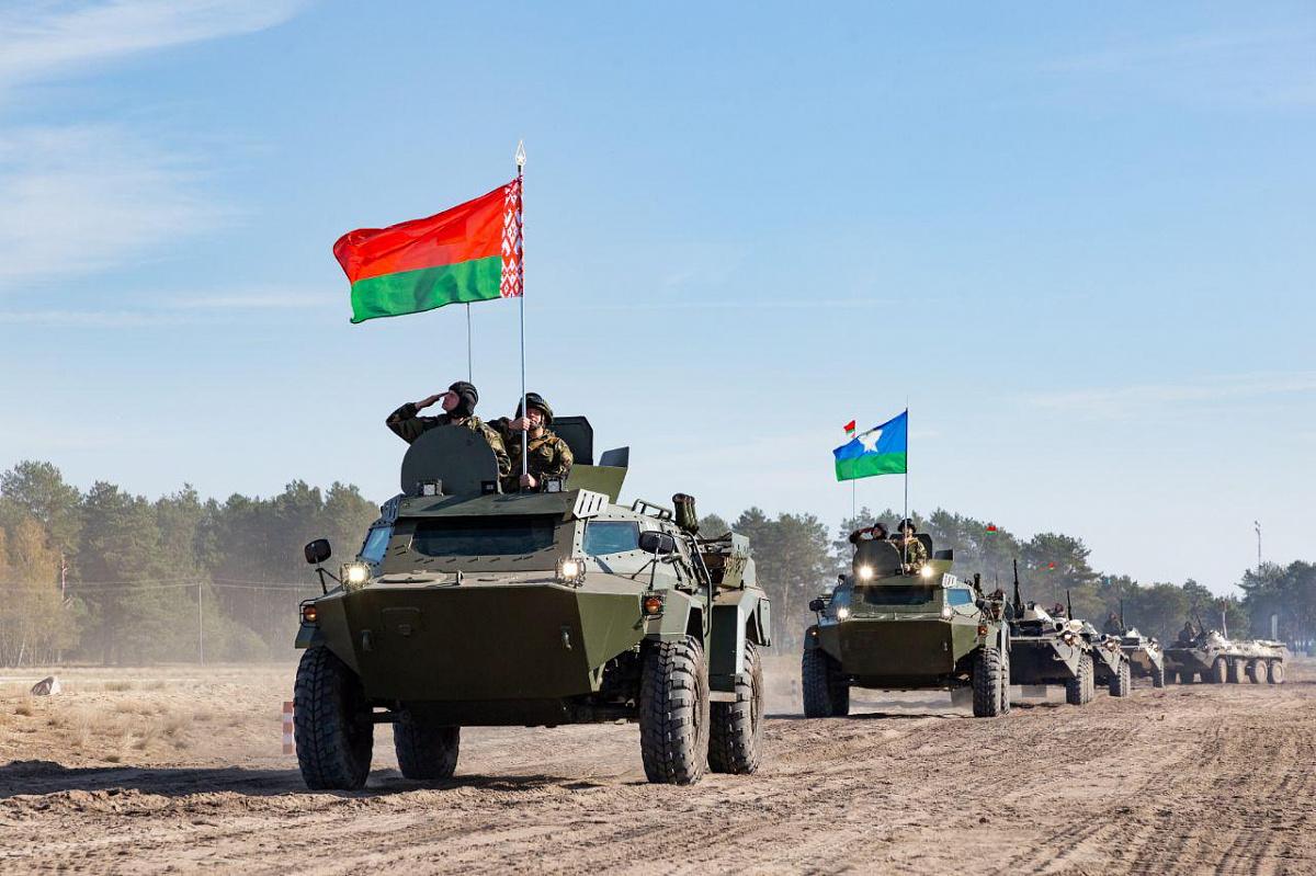 Армия Беларуси пребывает в боевой готовности на границе с ЕС