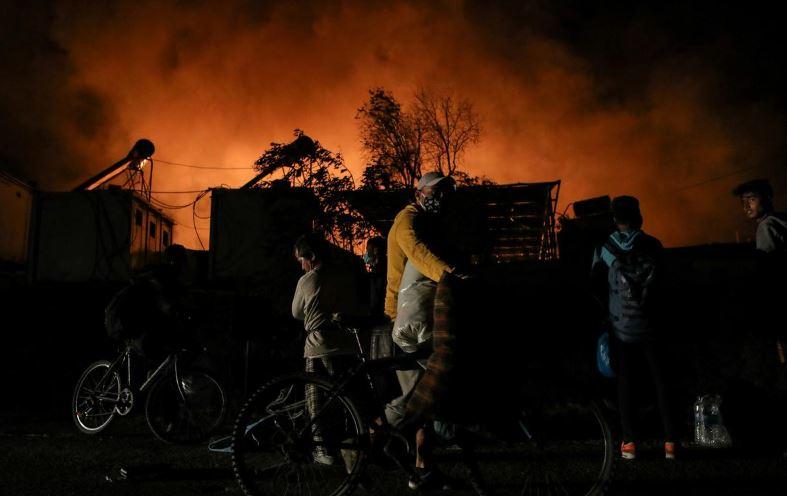 пожар в лагере беженцев в Греции
