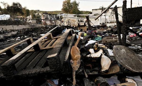 сгоревший лагерь Мориа