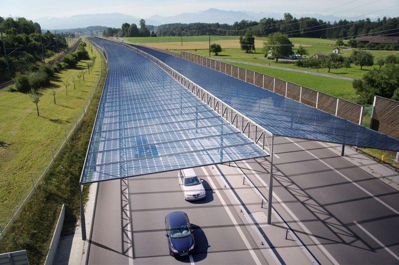 солнечные крыши над дорогами Германии