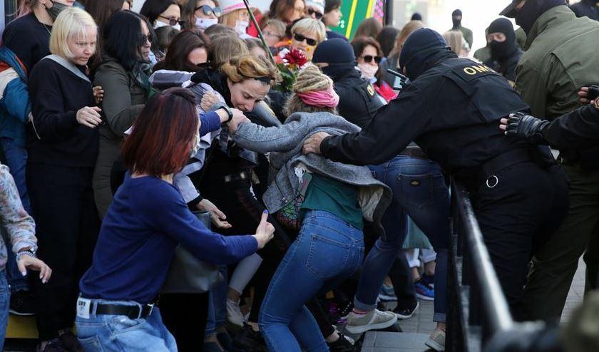 задержания на марше женщин