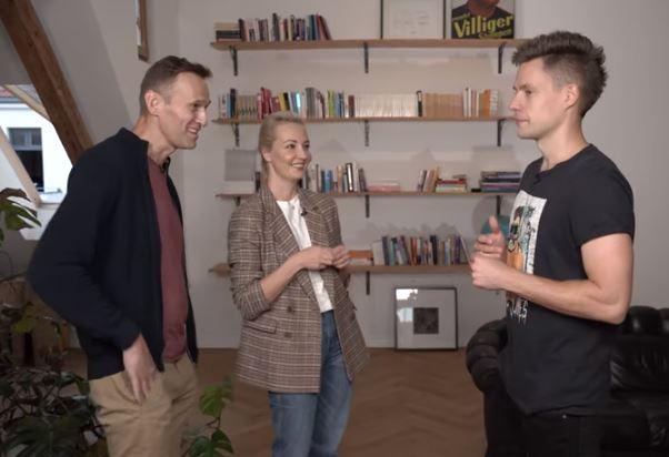 Навальные у Дудя