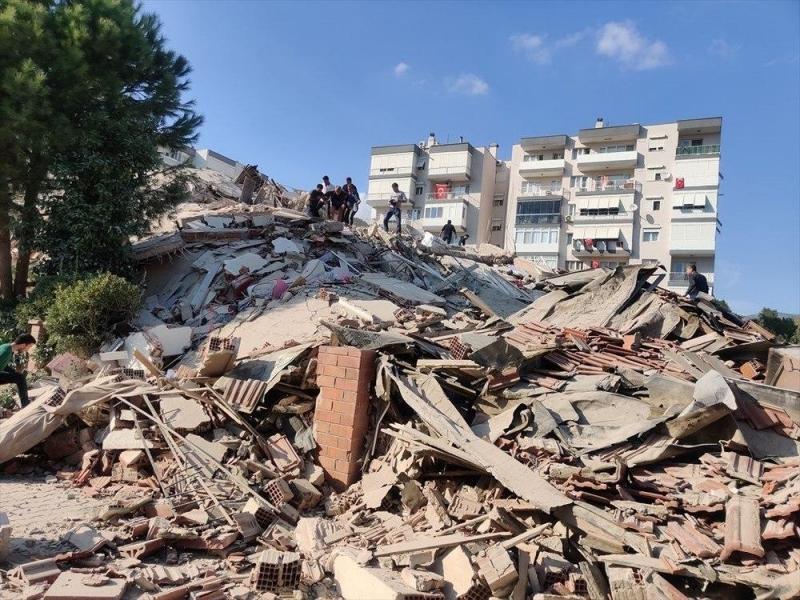 В Эгейском море мощное землетрясение: пострадали Турция и Греция