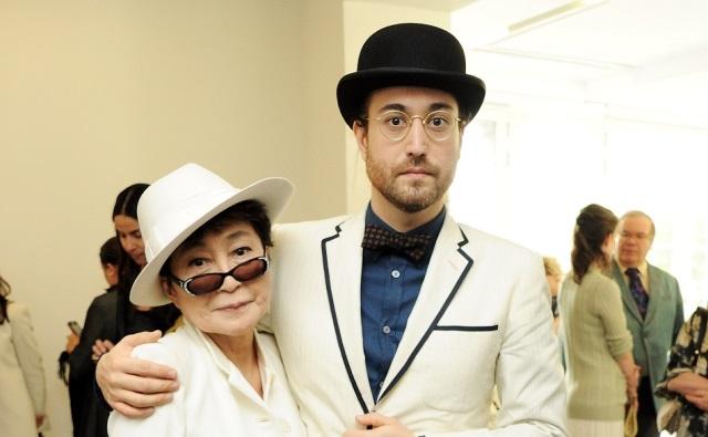 Йоко Оно с сыном