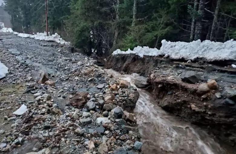 На Аляске – оползни, Индию и Шри-Ланки накрыл циклон