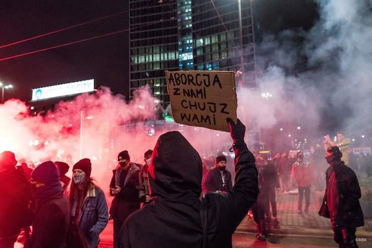 В Польше возобновились протесты против запрета абортов