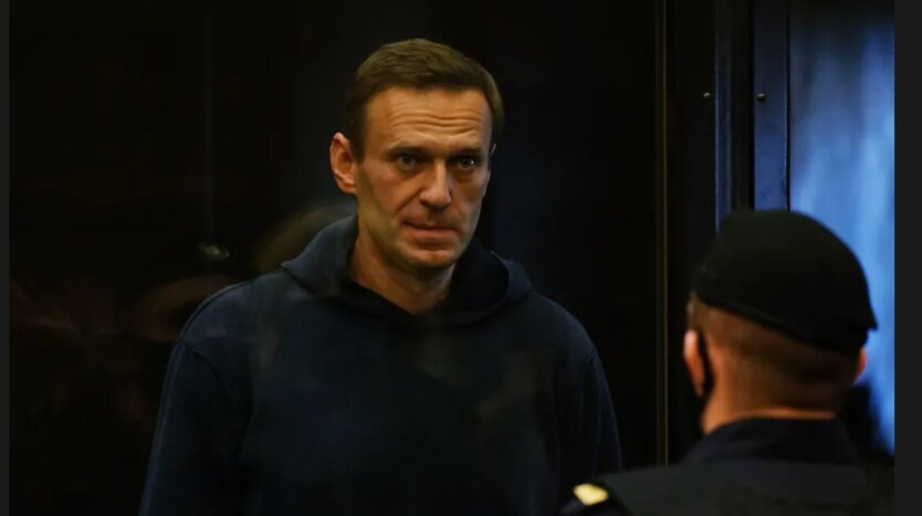 Навальный в суде.