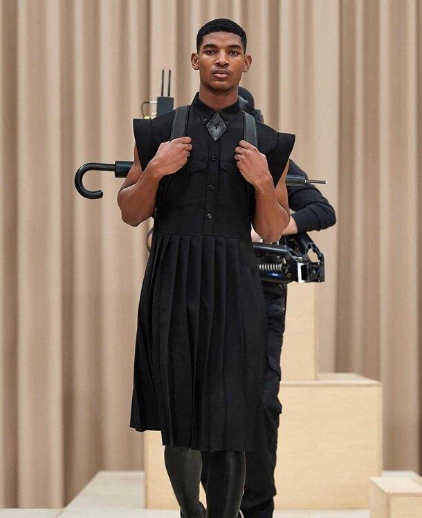 Платья для мужчин