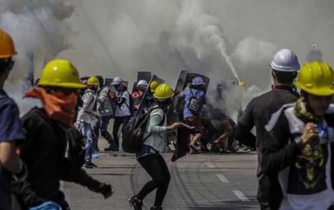 В Мьянме с начала протестов убиты свыше 700 человек