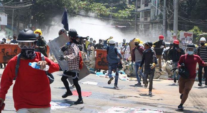 Мьянма акции протеста