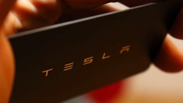 смартфон Тесла