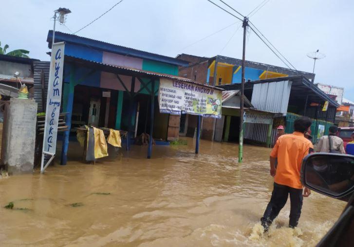 Индонезия наводнение